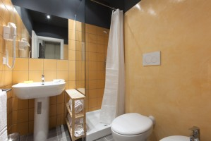 03-guesthousse-sant_angelo-roma-appartamento-bagno